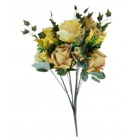 Ramo de rosas con hortensias